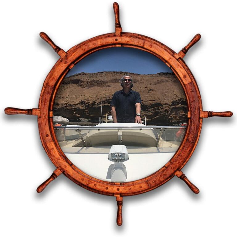 Patron realizando practicas para obtencion de PER en barco yate Tenerife Sur Las Galletas