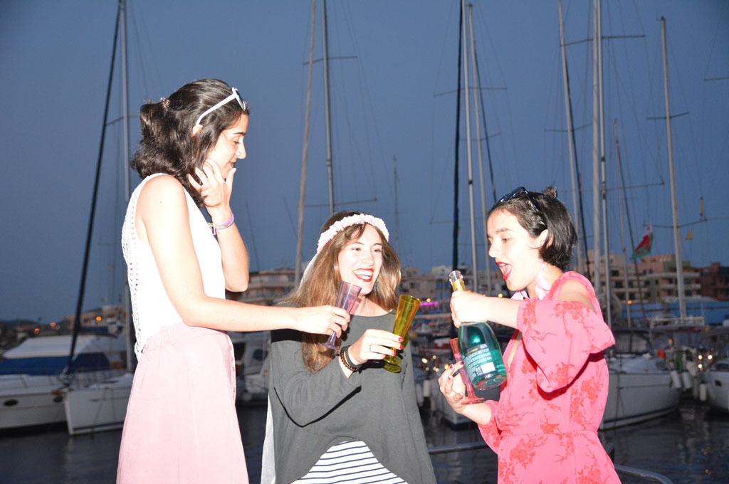 Fiesta privada de despedida de soltera en barco yate desde Tenerife Sur Las Galletas y La Gomera