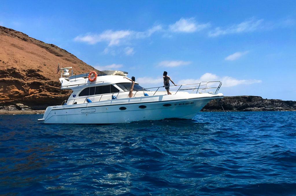 Barco yate para una experiencia de un crucero vida a bordo en Tenerife Sur Las Galletas y La Gomera